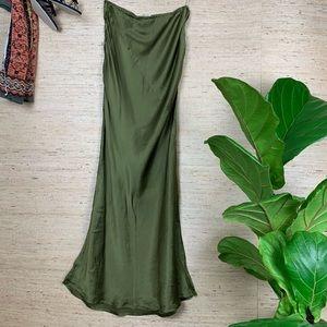 XXI Green Silk Sweeping Fluted Slip Skirt